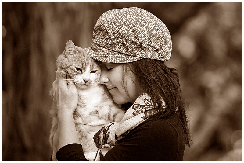 Cuddling with cat, girl and cat, love, cuddles, hat, winter clothing, pet photography Perth, Perth locations, pet photography